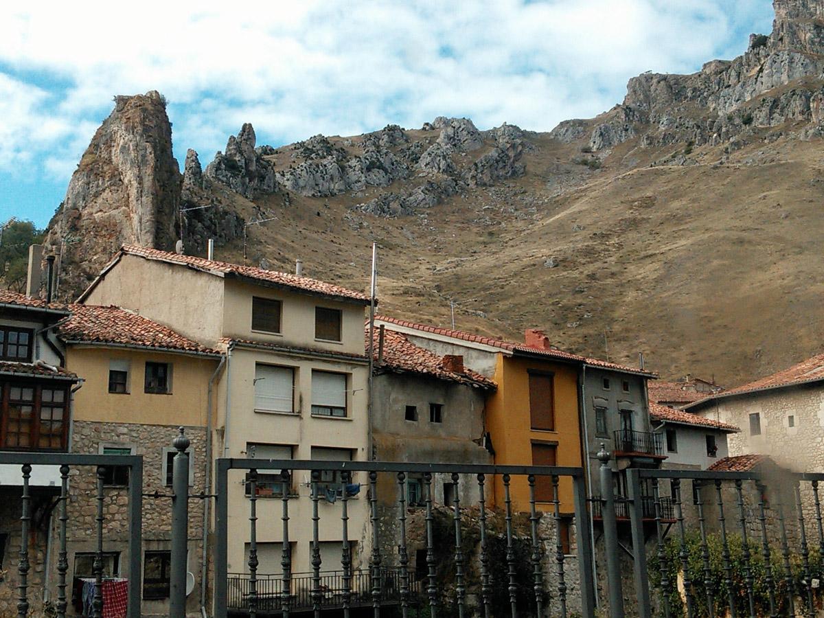 Pancorbo, between La Aldea and Miranda de Ebro.