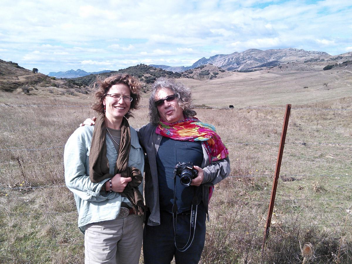 Dorien & Emilio in the hills above Pancorbo.