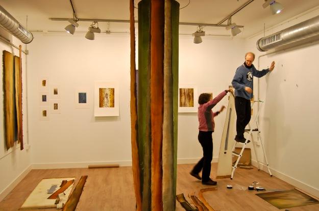 Hanging canvas pieces. Garikoitz Murua Fierro photo.