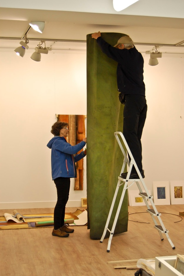 "Bill & Claire hanging the central fabric column of her piece ""Grove"". Garikoitz Murua Fierro photo."